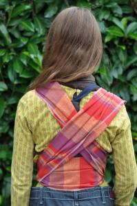 Écharpe de portage petit modèle vue de dos