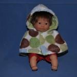 Bébé avec cape